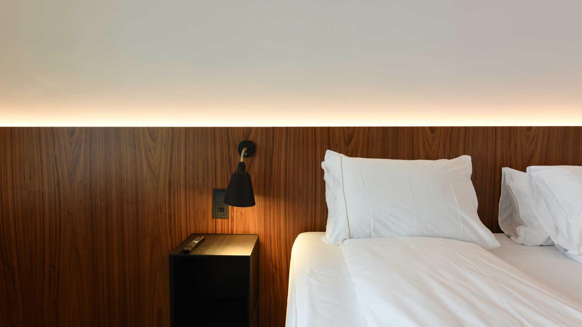 Hotel.Saga.Herb.1.02